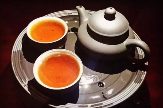 1、当归茶,一般采用当归煎水,代茶饮。