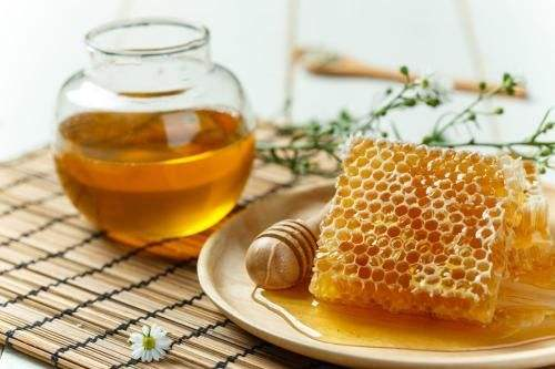 春季三品保健康:蜂蜜、板蓝根、百合