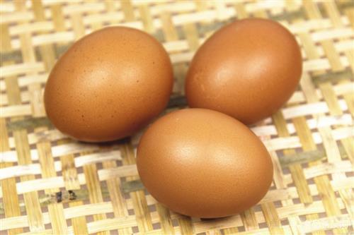 蛋壳颜色越深鸡蛋营养价值越高